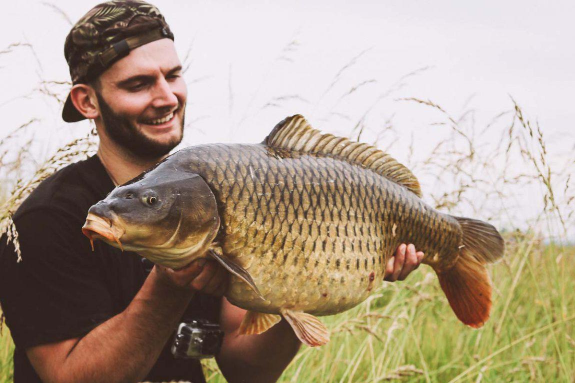 twelvefeet ausgabe18 jackthompson 1 1150x767 - Flusskarpfen an Englands Strömen