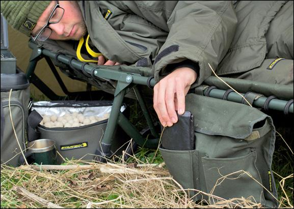 Strategy Carp Magazine 36 Low profile storage bags NL 577 002 -  - Strategy, Spro, Ronald van Bruggen, Ovalschirm, Mobil bleiben, Low Profile, karpfenangeln, brolly, Bobachten, Bedchair