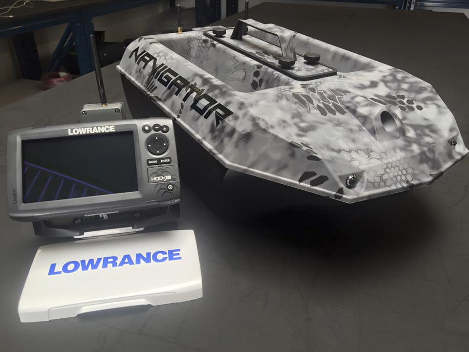 Navigator mit Lowrance - Aktion an Bord! -  Global Fishing Baitboats auf der Carp Expo