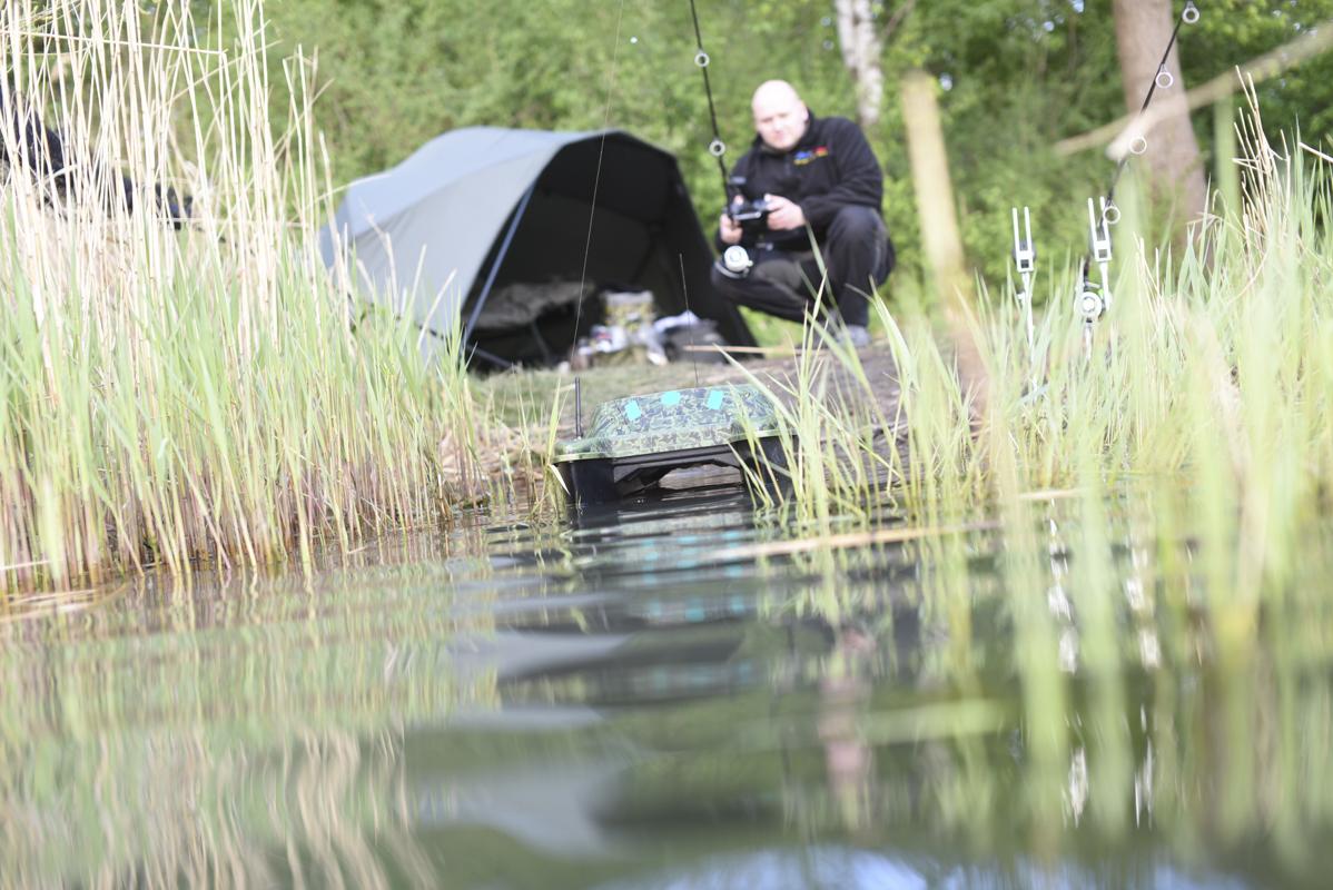 DSC 2152 -  - Sven Weilbier, Olaf barz, Kevin Keil, Jan Ulak, Erfolgreich mit dem Futterboot, Axel Siebert, Alex Siebert, 5 Angler - 5 Meinungen