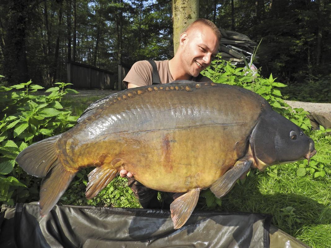 Der größte Fisch kam beim Einpacken