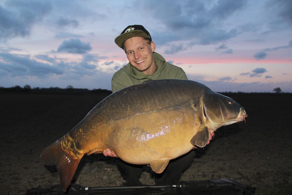 Fisch -  - Sven Weilbier, Olaf barz, Kevin Keil, Jan Ulak, Erfolgreich mit dem Futterboot, Axel Siebert, Alex Siebert, 5 Angler - 5 Meinungen