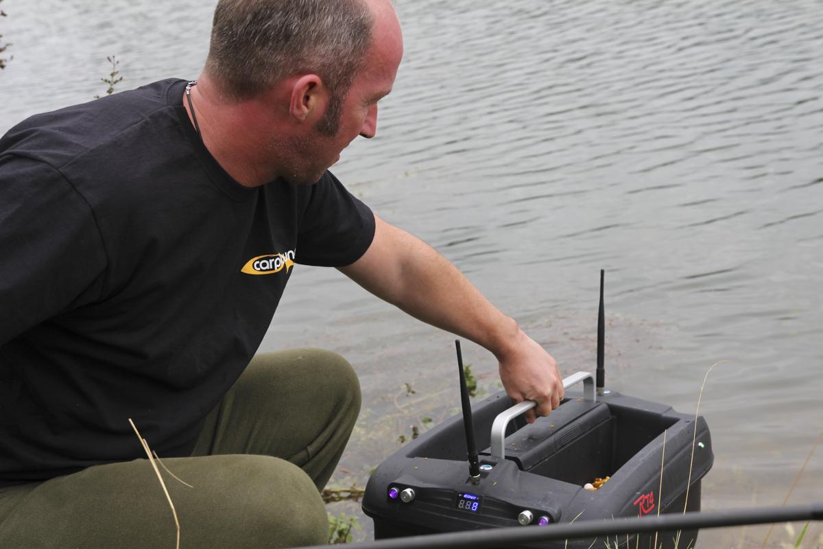 f3156480 -  - Sven Weilbier, Olaf barz, Kevin Keil, Jan Ulak, Erfolgreich mit dem Futterboot, Axel Siebert, Alex Siebert, 5 Angler - 5 Meinungen