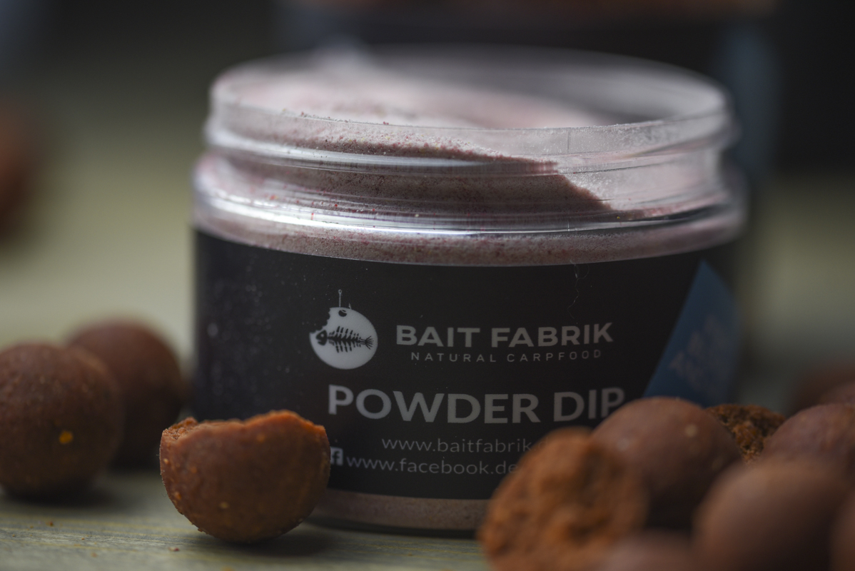 DSC 6383 -  - Weightless Hookbaits, Robin Red, Liquids, Groundbait, Fish Blood and Hot, Dip, boilies, Baits, Baitfabrik