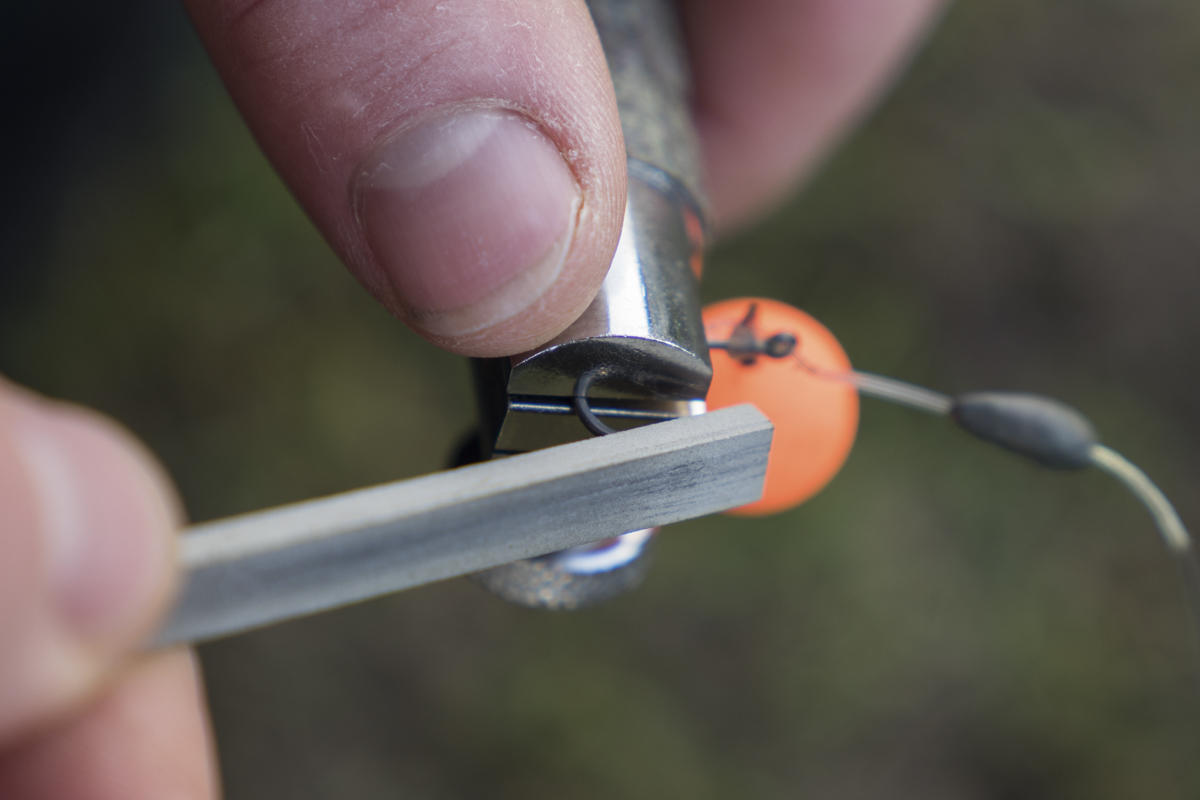 Ensuring you have a sticky sharp hook will help convert those important bites -  - Single Hookbaits, Powder, Pop-ups, kaltes Wasser, Fruit, Farben, CC Moore