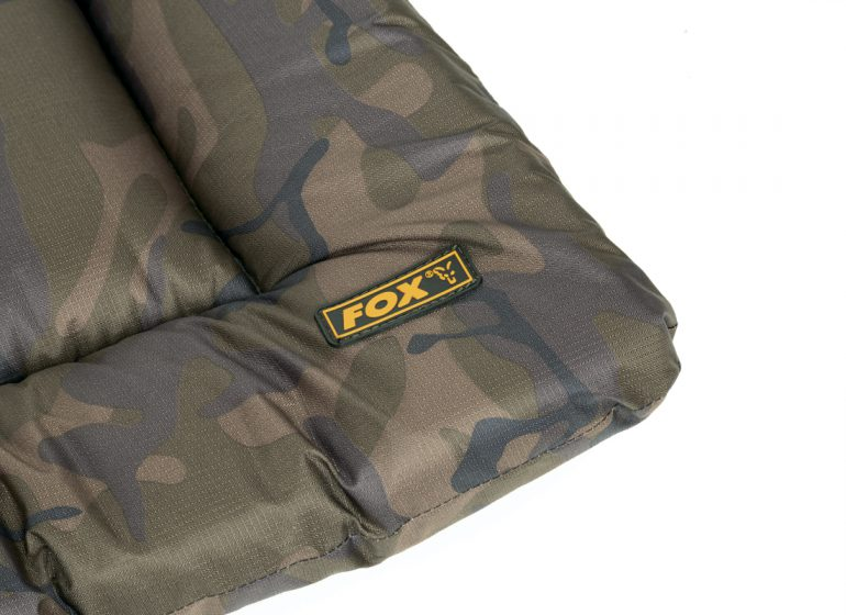 Camo Unhooking Mat CU1 770x560 - Leicht, getarnt und kompakt! Die Fox Camo Abhakmatte...