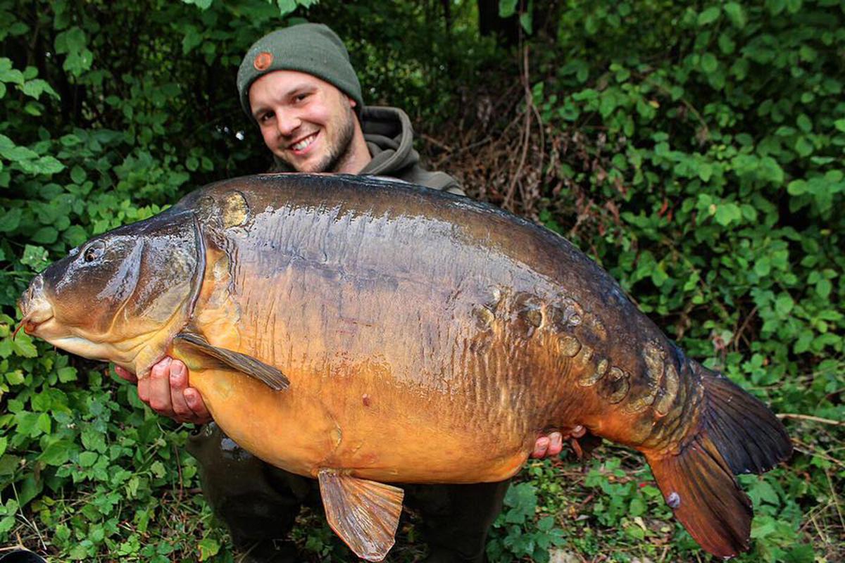 """twelvefeetmag Simon Grolig Wunderkoeder 1 - 5 Angler – 5 Meinungen: """"Wunderköder"""""""