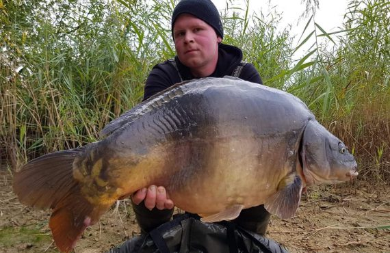 twelvefeetmag bait perfection big fish karpfenangeln 1 570x370 - Fette Fänge im Oktober und November