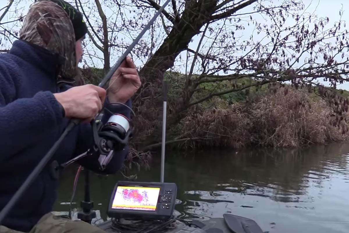 twelvefeetmag Karpfenangeln Fluss 2 -  - Radical