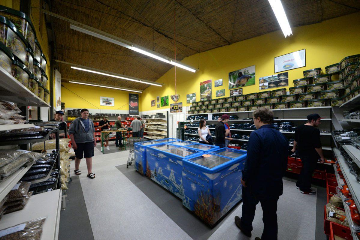 twelvefeetmag successful baits ladenverkaufer 2 1199x800 -  - verkäufer, successful-baits, arbeiten in der Szene