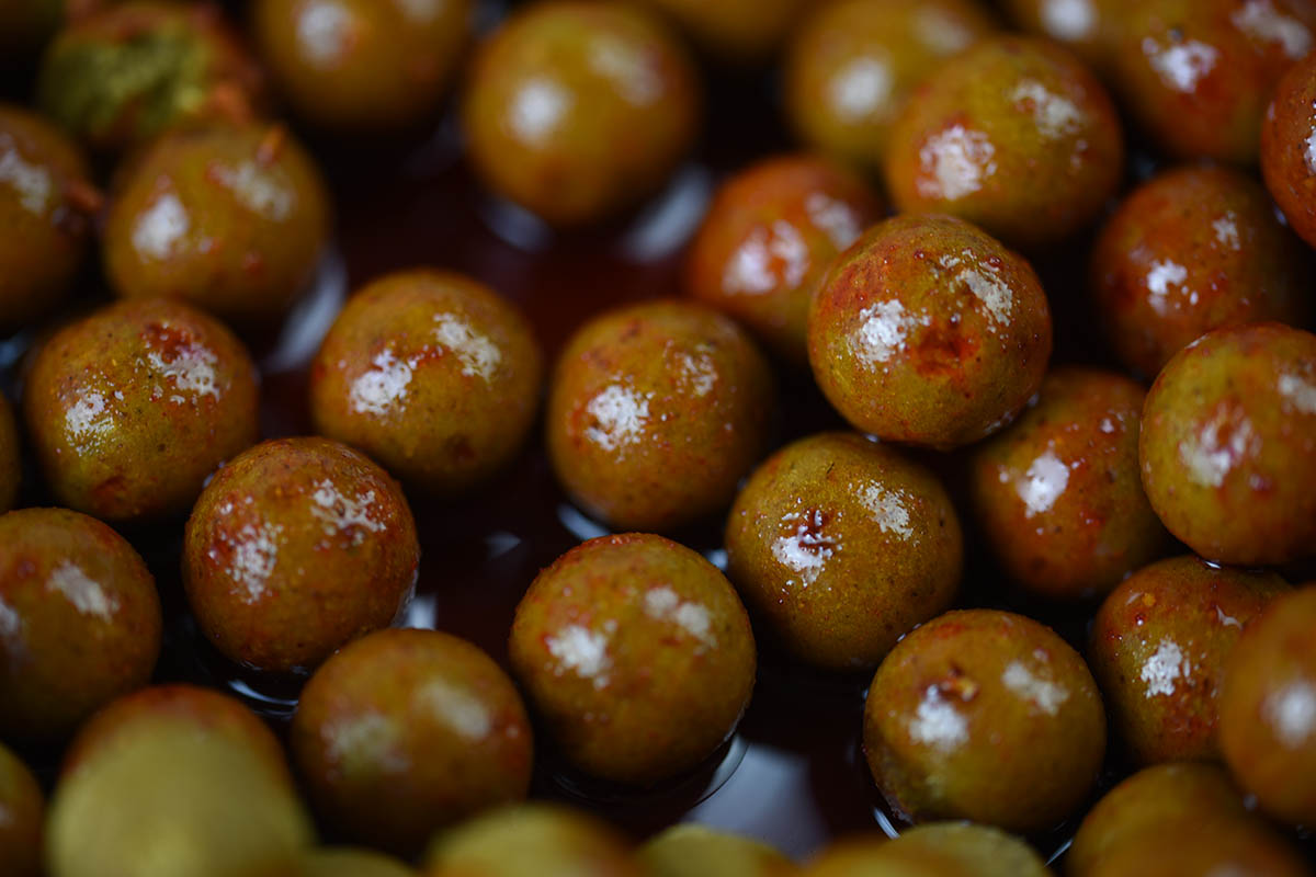 Smoked Spicce von PR Baits ist vor allem für das Karpfenangeln in kaltem Wasser geeignet.