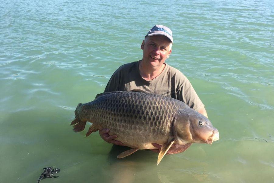 twelvefeetmag mehr als 30 kilo 2 -  - 30 Kilo Karpfen, 30 Kilo, 30 Kg