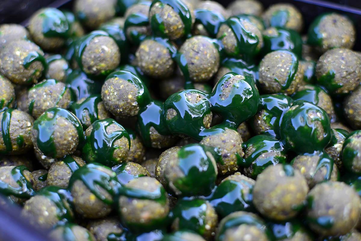 twelvefeetmag mighty mussel carpcrackerbaits 1 -  - Simon Middendorf, Mighty Mussel, Carp-Cracker Baits