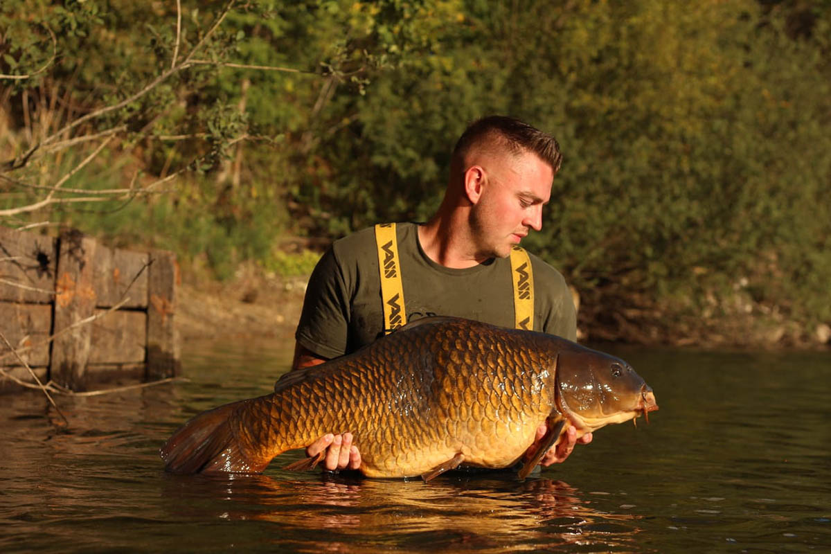 twelvefeetmag mighty mussel carpcrackerbaits 5 -  - Simon Middendorf, Mighty Mussel, Carp-Cracker Baits