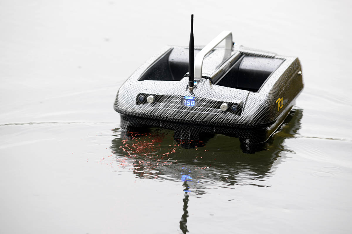 twelvefeetmag Futterboot angeln olaf barz 7 -  - Olaf barz, Futterboot
