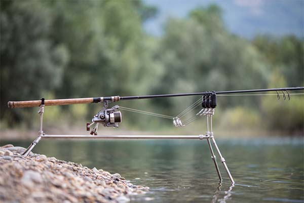 twelvefeetmag solar tackle p1 worldwide rod pod 2 -  - Solar Tackle P1 Worldwide Pod, Angelzentrale