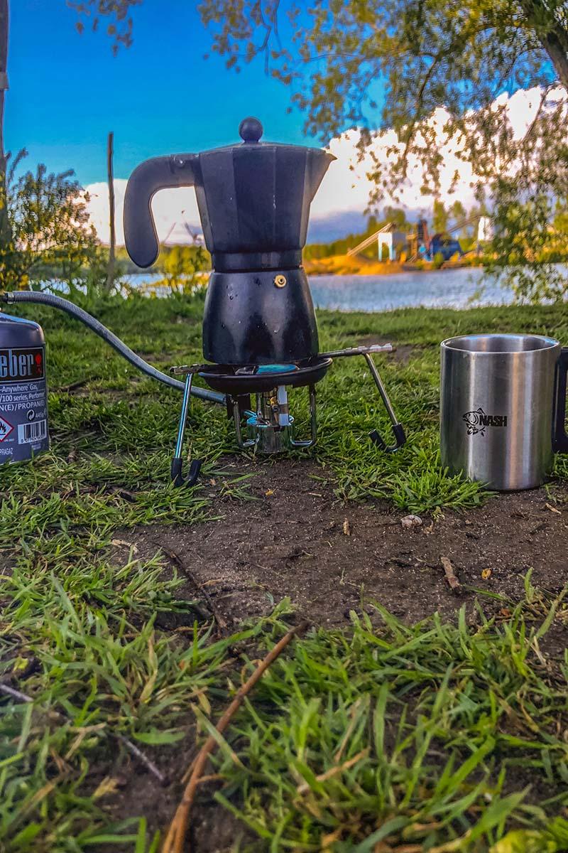 twelvefeetmag kaffee am wasser 7 -  - Kaffee beim Karpfenangeln, Kaffee am Wasser