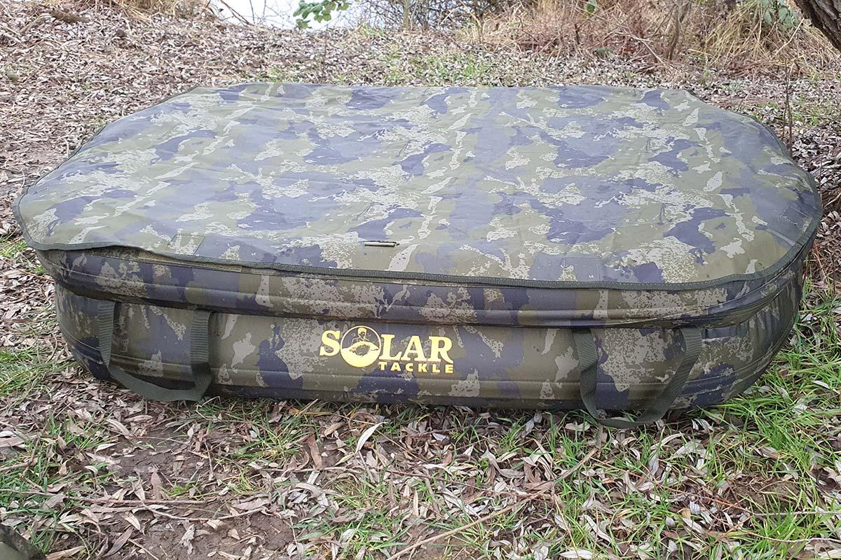 twelvefeetmag solar tackle abhakmatte 4 -  - UnderCover Inflatable Unhooking Mat, Solar Tackle UnderCover Inflatable Unhooking Mat, Solar Tackle, Abhakmatte