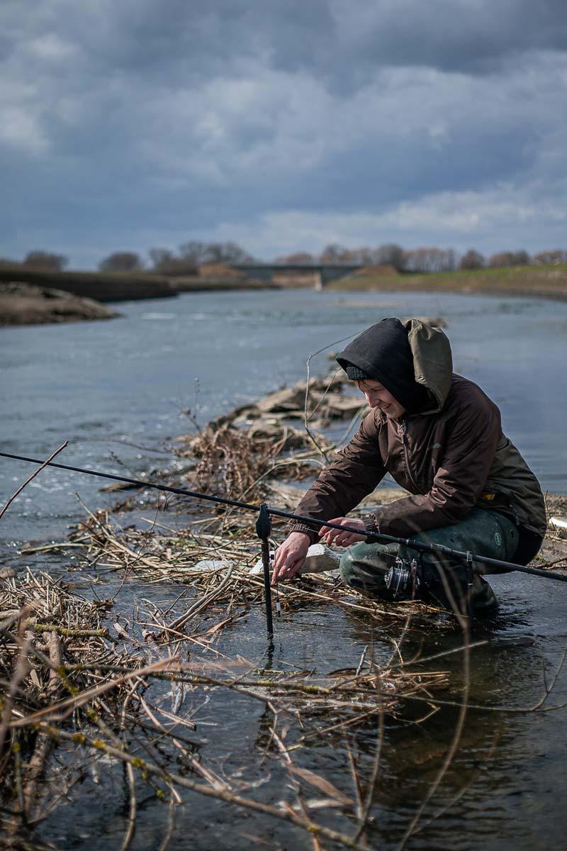 twelvefeet stories ianbuttau 1 -  - Flussfischen, Flussangeln auf Karpfen, Flussangeln, Das Abenteuer am Fluss