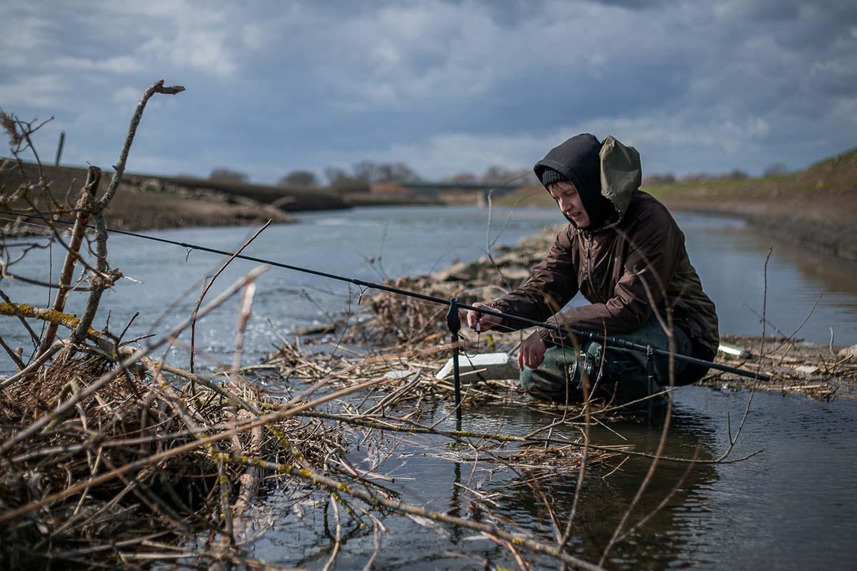 twelvefeet stories ianbuttau 2 -  - Flussfischen, Flussangeln auf Karpfen, Flussangeln, Das Abenteuer am Fluss