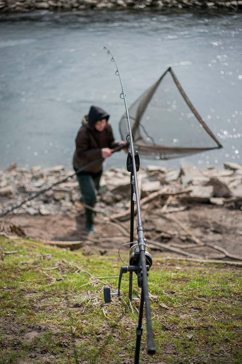 twelvefeet stories ianbuttau 7 -  - Flussfischen, Flussangeln auf Karpfen, Flussangeln, Das Abenteuer am Fluss